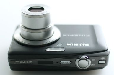 H Fuji ΠΑΡΟΥΣΙΑΖΕΙ ΤΗΝ  FD 60 Fujifilm-finepix-f60fd-compact-camera