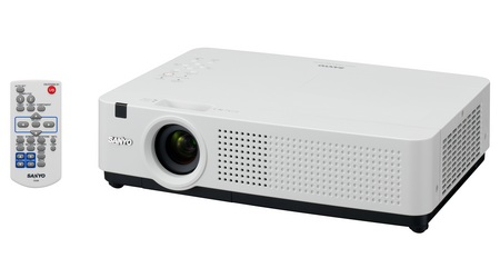Sanyo LP-XU4000 Projector with Intelligent Light Dimming System 1