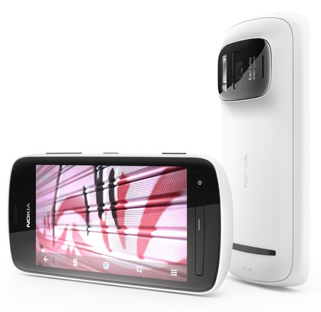 Nokia 808 PureView Smartphone with 41 Megapixel Camera 1