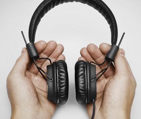 Marshall Major 50 FX Headphones Celebrates its 50th Anniversary on hand