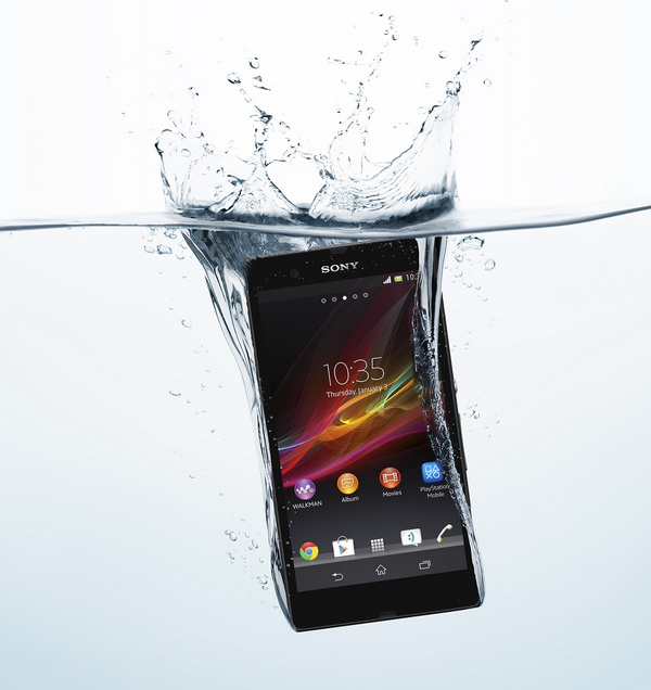 Sony Xperia Z 5-inch Full HD Android Smartphone with HDR Video drop to water