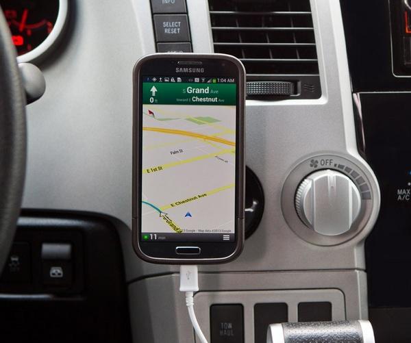 Rokform RokBed v3 Mountable Case for Galaxy S4 in use